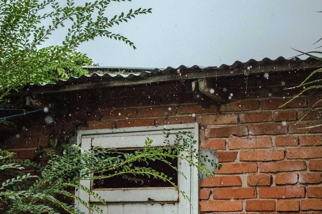 Is it Worth Replacing Your Leaky Roofing?